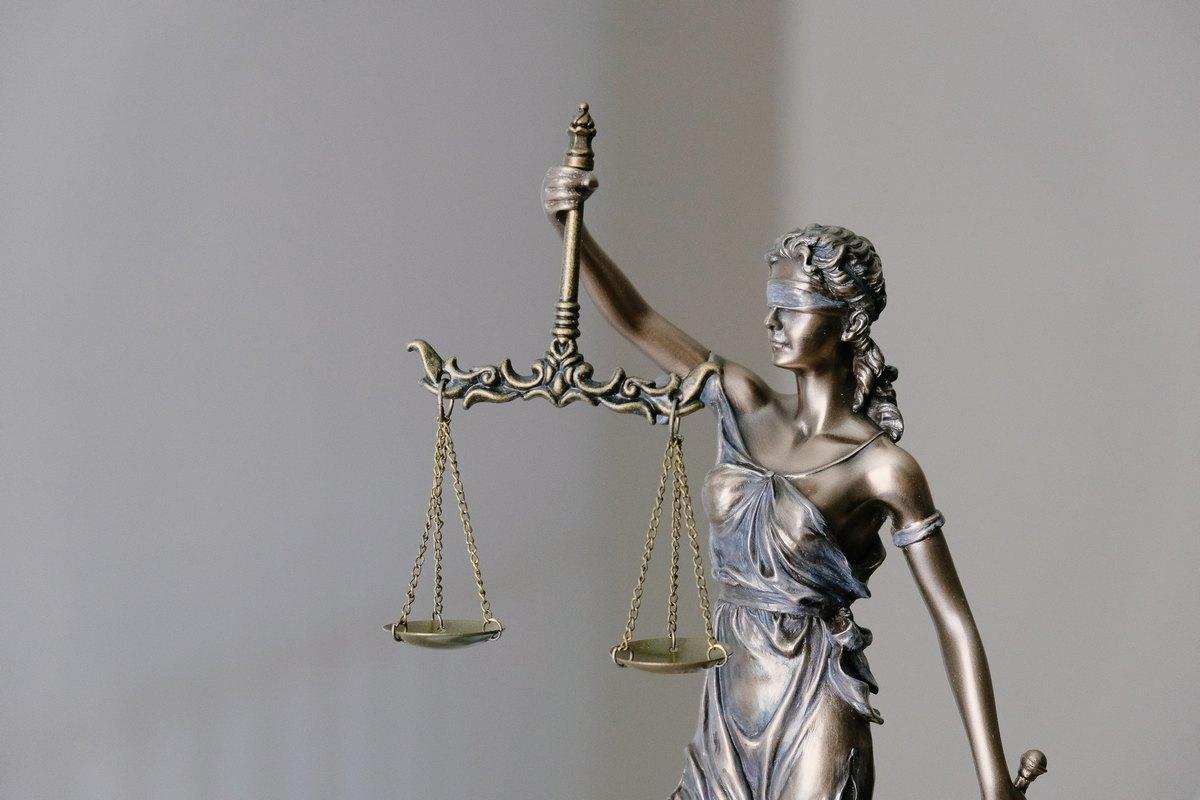Advokatska tajna | Advokat Milan Ivetić Novi Sad